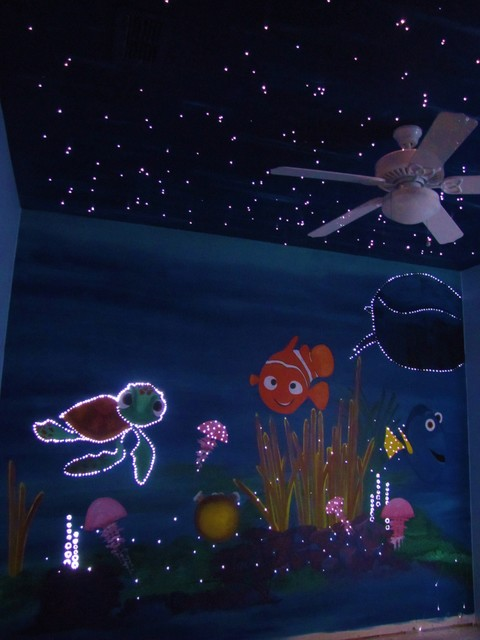 Finding nemo mural nursery for Mural lighting