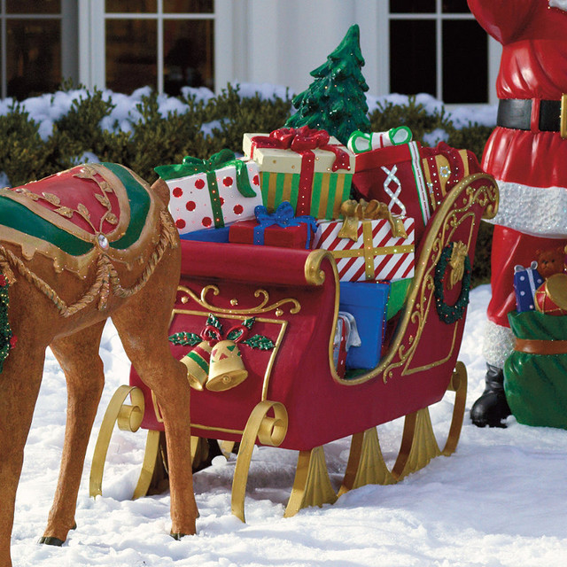 Fiber optic sleigh frontgate outdoor christmas for Holiday lawn decorations