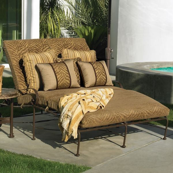 Classico double wide chaise lounge outdoor chaise for Chaise lounge chicago