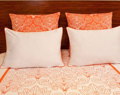 SOLFERINO WHITE AND CORAL - KING DUVET AND SHAM SET (5 PIECE) traditional-duvet-covers