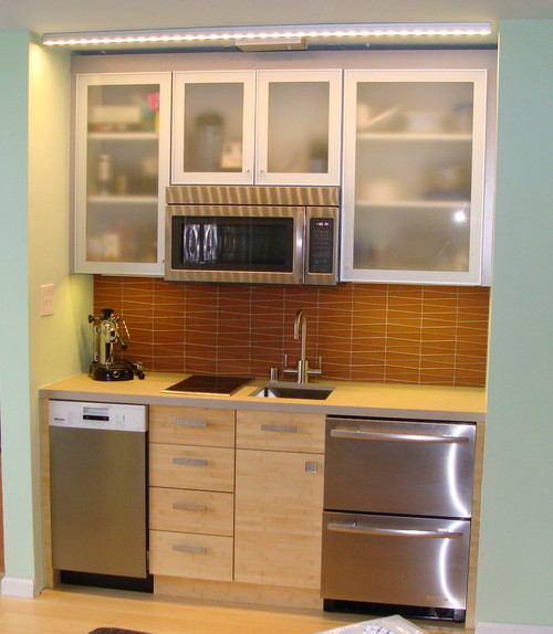 mini kitchen redo