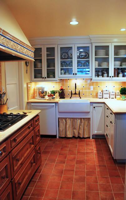 Sunny Vista Lane traditional-kitchen