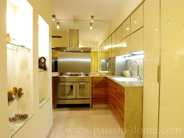 modern kitchen by &quot;Paissin&quot;