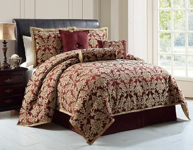 Down Alternative Comforters traditional-comforters-and-comforter-sets