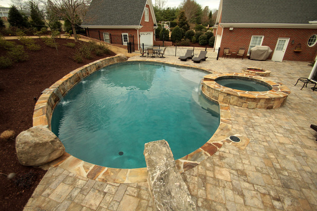 Swimming Pools & Spas contemporary-pool