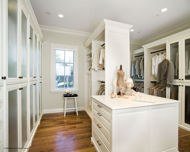 Valet Custom Cabinets & Closets - Siena Collection Closet traditional closet
