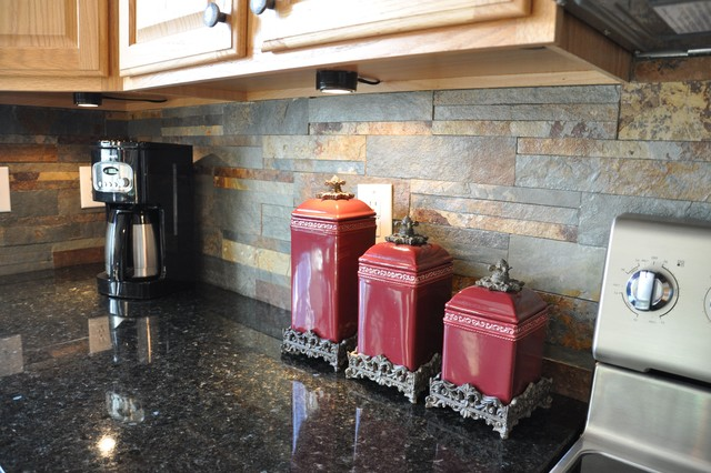 Uba Tuba Granite Countertop and Slate Tile Backsplash Idea