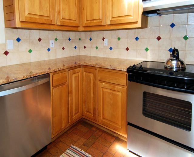 Evergreen Drive - Kitchen traditional-kitchen