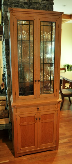 Dining room furniture traditional-buffets-and-sideboards