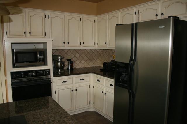 Paint and Glaze Oak Kitchen Cabinets traditional-