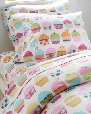 garnet hill kids 39 sweet dreams cupcake flannel bedding standard pillowcases modern kids. Black Bedroom Furniture Sets. Home Design Ideas
