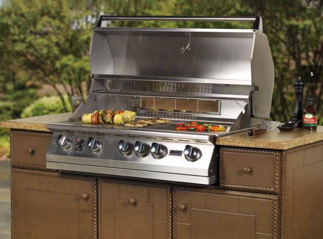 Do It Yourself Outdoor Kitchens mediterranean-