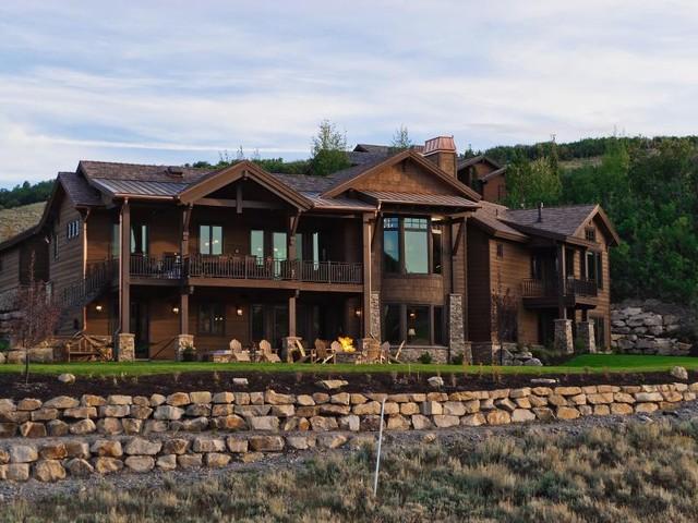 Homes by Cameo Homes Inc. in Utah rustic-exterior