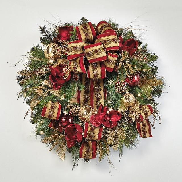 Plaza Pre Decorated Christmas Wreath Christmas Decor