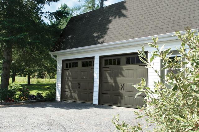 Farm House Garage Doors : Country farmhouse style garage doors