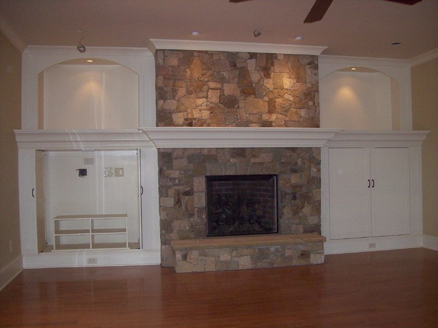 Bookcases and Built-Ins traditional