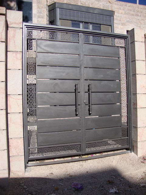 Main gate and garage   Contemporary   Outdoor Products. Main gate of iron   Basic Wood Gate Design