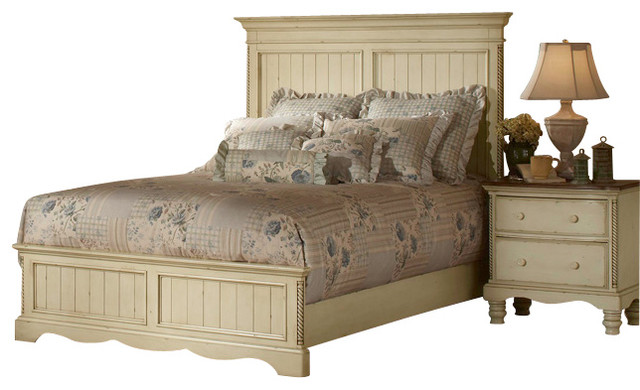 Hillsdale Wilshire 4 Piece Panel Bedroom Set In Antique White King Traditional Bedroom