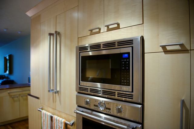 Customer Kitchens - chicago - by Innermost Cabinets