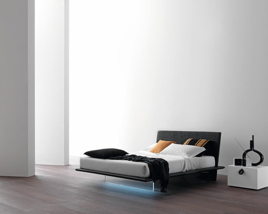 Plana Bed - Plana bed comes in a lacquered or upholstered version. Optional under-bed lighting available. Contact info@casaspazio.com for more information.