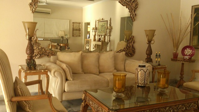 House In Lahore Pakistan Traditional Sofas Other