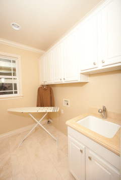 ABC Builder, Inc. traditional-laundry-room