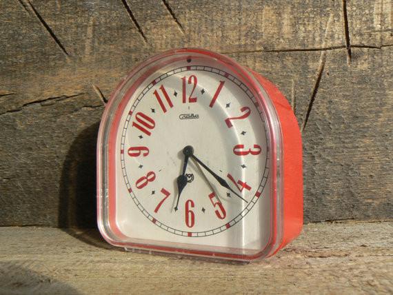 Russia Soviet Union vintage mechanical alarm clock alarm-clocks