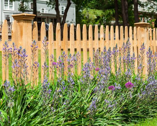 New England Cedar Picket Fence -