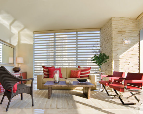 Pirouette® window shadings PowerRise® 2.1 with Platinum™ Technology - Hunter Douglas Pirouette® Collection Copyright © 2001-2012 Hunter Douglas, Inc. All rights reserved.