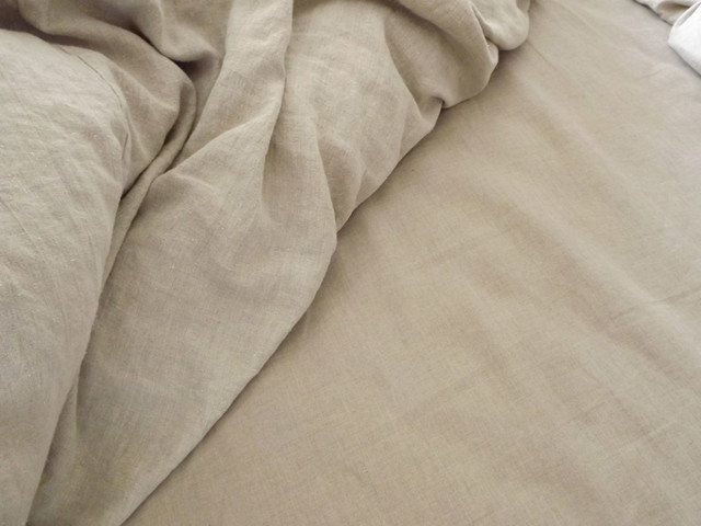 Smooth Linen Sheets traditional-sheet-and-pillowcase-sets