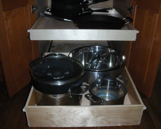Kitchen Pull Out Shelves - The top shelf is a single-height pull out shelf and the bottom shelf is a double-height pull out shelf.  ShelfGenie of Los Angeles designers will work with you to determine the right combination to suit your storage needs.