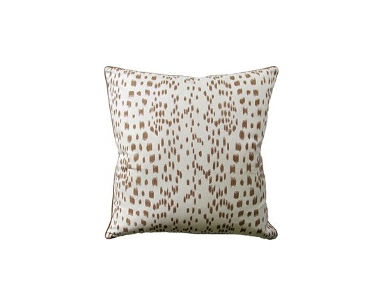 Les Touches Luxury Pillow 22 square -
