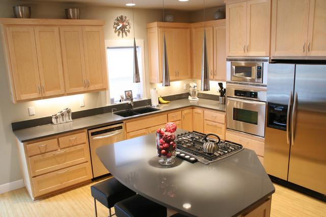Modern kitchen with cooking island modern-kitchen