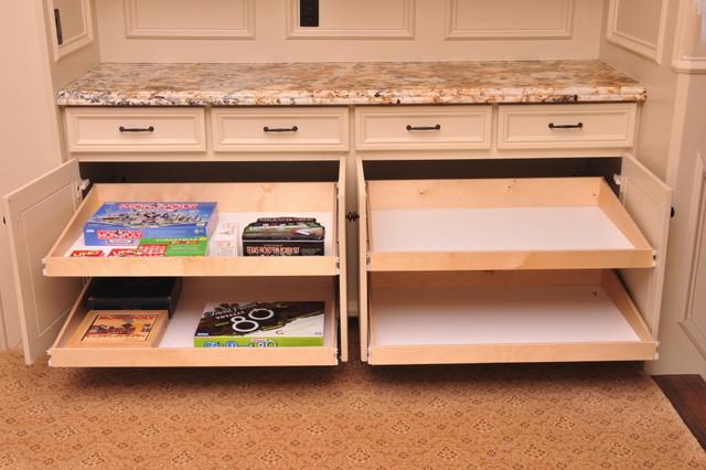 Pullout shelf