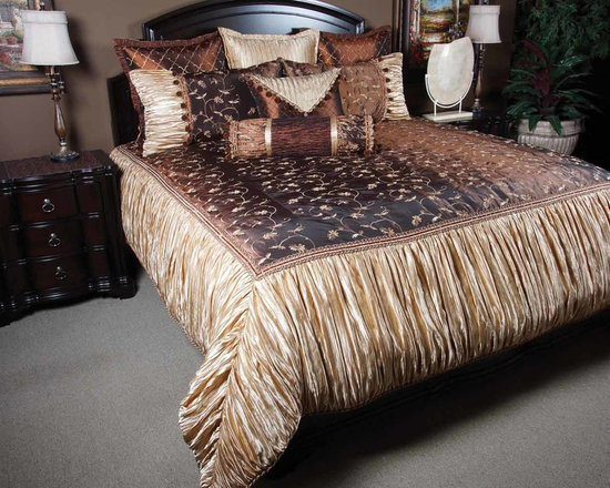 Bedding 2013 - Lavina: This enchanting mixture of Gold and Copper is a charming focusing point in any bedroom leaving a classy poised feel.