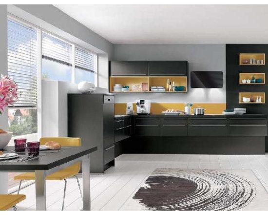 Black Kitchen -