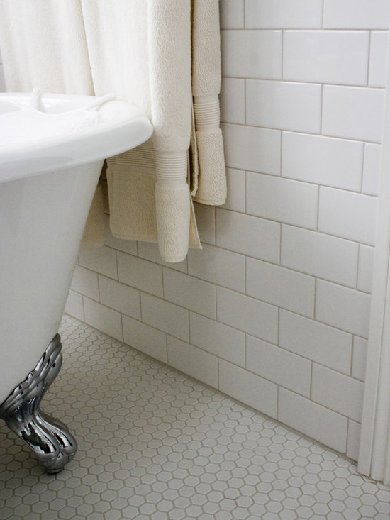 Traditional Classic White Bathroom Installation Subway