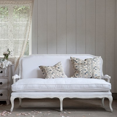 Lila Settee, White Linen traditional-sofas