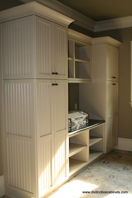 Distinctive Cabinets, LLC - Utility Rooms traditional-laundry-room