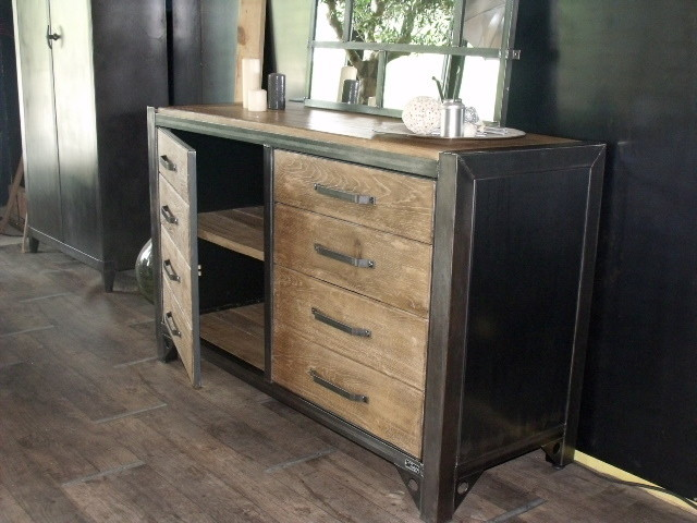 buffet bois m tal sur mesure design industriel industrial buffets and sideboards other. Black Bedroom Furniture Sets. Home Design Ideas