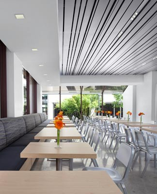 Modern cafeteria dining hall modern dining room for Modern dining hall design