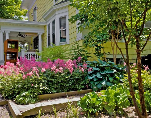 Formal City Garden traditional-landscape