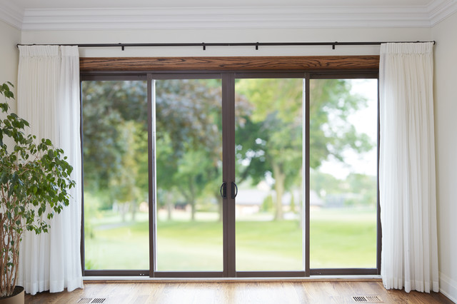 Sliding patio doors by casa bella contemporary toronto for Sliding glass doors garden