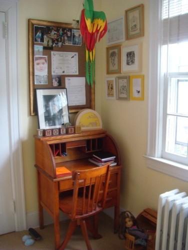 kid desk traditional-kids
