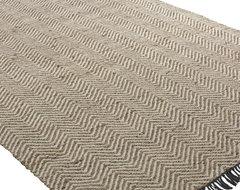 Nalanda 5 x 8 Hand Woven Rug traditional-rugs