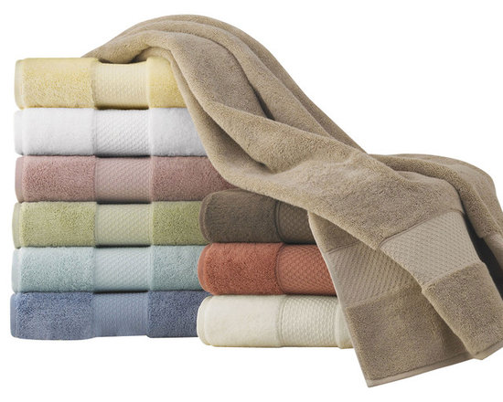 Luxor Linens - Mariabella Turkish Towels, Tub Mat, White - This soft, plush European towels, made from the world's finest Long Staple Turkish cotton from Aegean region of Turkey. This cotton is known for its strength, absorbency, durability, and softness and will be luxurious addition to your bathing experience.