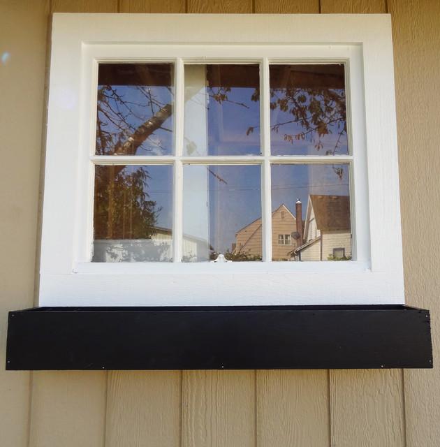 windowboxattachfront.jpg