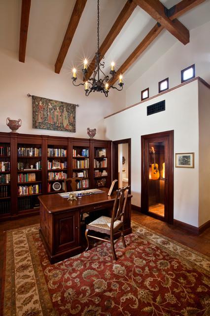 Villa Girasole traditional-home-office