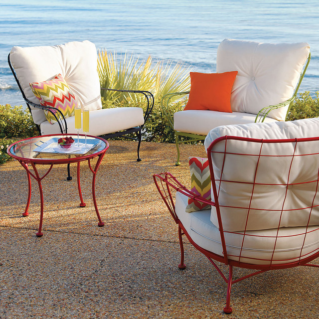 Hudson Metal Chair With White Cushion Contemporary Outdoor Lounge Chairs By Grandin Road