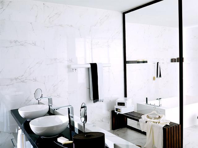 Porcelanosa marmol carrara blanco tiles traditional for Marmol blanco carrara